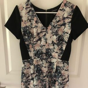 Club Monaco floral short sleeve dress